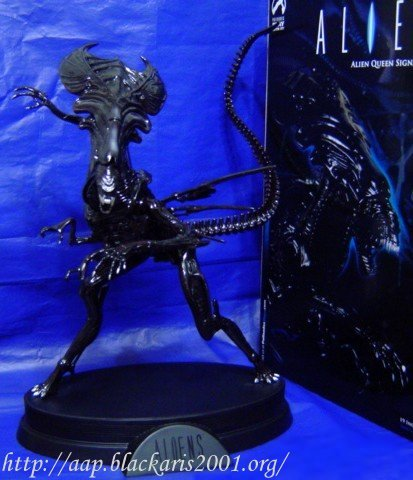 Alien Queen Signature Statue