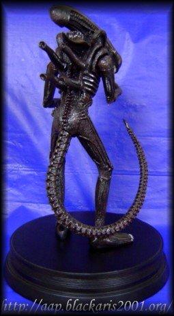 Alien Signature Series Statue